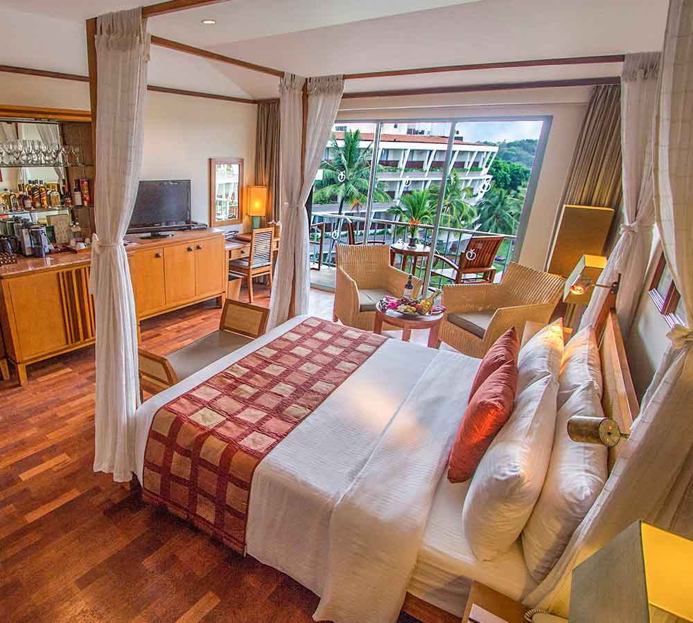 Luxury Bedroom of Paradise Room at Eden Beruwala Resort